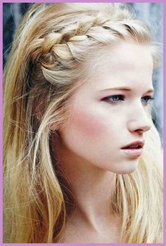 messy bun 25 Super-Easy Everyday Hairstyles for Extremely Long Hair … Hair Short retro hair style Easy Everyday Hairstyles, Great Hairstyles, Summer Hairstyles, Hairstyle Ideas, Wedding Hairstyles, Hair Ideas, Heatless Hairstyles, Stylish Hairstyles, Style Hairstyle