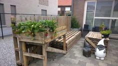 lounge + tafel + bloembak