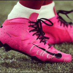 76a62d0e4 Pro Football player wearing pink cleats during games to support Breast  Cancer (whom his mother