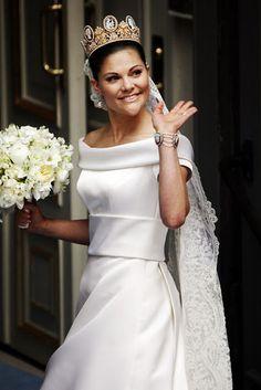 Crown Princess Victoria wearing the Swedish Cameo Tiara on her wedding day.