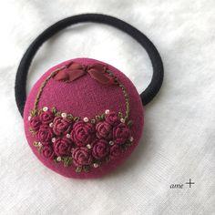 Crochet Hair Clips, Crochet Hair Styles, Crochet Hats, Embroidery Flowers Pattern, Flower Patterns, Crochet Hat For Beginners, Diy Crafts For Gifts, Ribbon Hair Bows, Sherwani