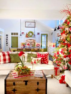 Welcome to Our Christmas Home 2019 - Plaids and Poppies My First Christmas, Christmas Morning, Christmas Home, Christmas Holidays, Christmas Crafts, Merry Christmas, Christmas Ideas, Holiday Ideas, Country Christmas