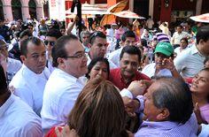 El gobernador Javier Duarte saludó a todos los asistentes en Los Portales en el Puerto de Veracruz.