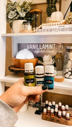 Essential Oils Guide, Essential Oil Uses, Natural Essential Oils, Young Living Essential Oils, Gentle Baby Essential Oil, Essential Oil Diffuser Blends, Diffuser Recipes, Living Oils, Perfume