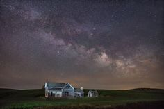 Stars above the old Weber house (Palouse, Washington) by Michael Brandt on 500px