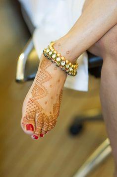 Bridal payal or anklet. Indian bridal jewellery. Kundan payal.