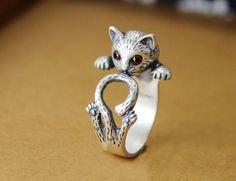 Hier wird ein Ring verkauft mit dem Motiv: Katze.  Katzen sind deine Lieblinge?…