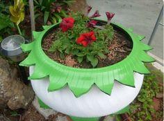 Recicle os pneus usados do carro e crie fantásticos vasos gigantes para o jardim!
