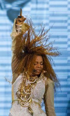 Janet Jackson LIVE – Unbreakable World Tour, Grand Rapids
