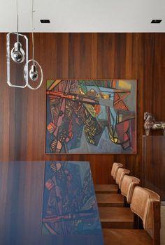 CONTEMPORARY ROOM |AH House / Studio Guilherme Torres | bocadolobo.com/ #diningroomdecorideas #moderndiningrooms