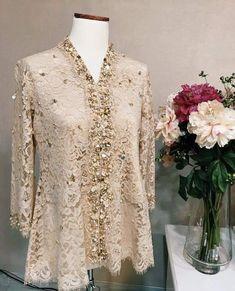 Dress Brukat, Hijab Dress Party, Hijab Style Dress, Batik Dress, Lace Dress, Kebaya Lace, Kebaya Dress, Dress Pesta, Kebaya Hijab