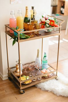 "See our web site for even more details on ""bar cart decor inspiration"". It is an excellent location to find out more. Diy Bar Cart, Gold Bar Cart, Bar Cart Styling, Bar Cart Decor, Bar Carts, Bar Deco, Outside Bars, Mimosa Bar, Easter Brunch"