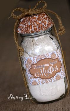 Homemade gifts - cinnamon muffins in a jar. Includes recipe and printable label.