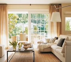 Puertas grandes que conectan el salón con el jardín Living Room White, Cozy Living Rooms, New Living Room, Home And Living, Living Room Decor, Living Spaces, Home Design, Interior Design, Sweet Home