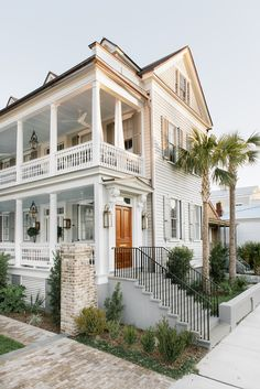 187 stunning modern dream house exterior design ideas – page 47 Style At Home, Future House, Architecture Design, Historic Architecture, Dream Beach Houses, Modern Beach Houses, Plantation Homes, House Goals, Farmhouse Design