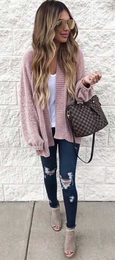 what to wear with a blush cardi : top + bag + rips + boots