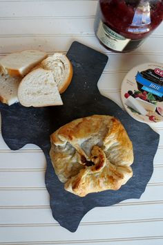 cranberry jalapeno baked brie | The Baking Fairy #TriplePFeature