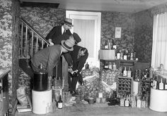 For 13 straight years, alcohol was completely illegal in America. Andrew Jackson, Thomas Jefferson, Roaring Twenties, The Twenties, Hiding Alcohol, Alcohol Prohibition, Red Scare, Mass Culture, Atelier