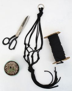 Good tutorial for a simple macrame plant hanger. Also shows how to do two pots in one hanger
