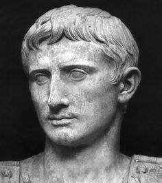 1 - l'Empereur romain Auguste : Régnant aux alentours de l'an 1 après Jésus-Christ, il possédait un empire qui représentait près de la moitié de l'économie mondiale de l'époque. Sa fortune était estimée à 4400 milliards d'euros.