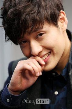 Кан Ха Ныль / Kang Ha Neul Korean Celebrities, Korean Actors, Celebs, Korean Idols, Korean Men, Asian Men, Kang Haneul, Super Mom, Going Crazy