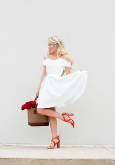 We're swooning over Olivia's little white dress in this week's Chic