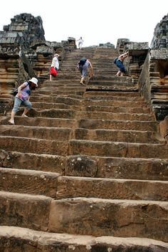 All private tour guide in Cambodia are https://pg.world/countries/cambodia/guides