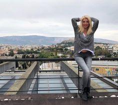 Η δίαιτα που διατηρεί την Ελένη Μενεγάκη τόσο νέα και λαμπερή - www.olivemagazine.gr Fitness Diet, Health Fitness, Flat Tummy Workout, Workout Challenge, Body Care, Challenges, Slim, Women, Tips