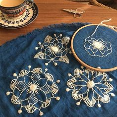 Wool on linen embroidery by Kasia Jacquot