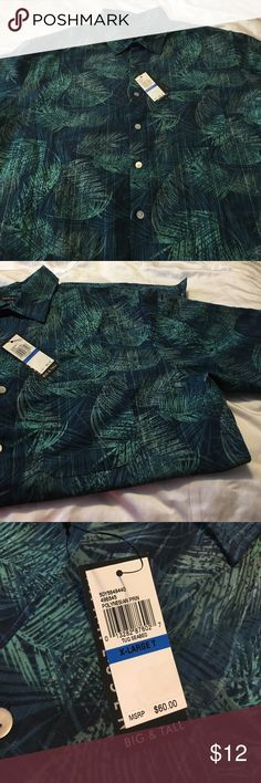 Men's Van Heusen shirt Men's XLT (17 1/2-18) Van Heusen short sleeved button down shirt. 100% polyester / machine washable Van Heusen Shirts Casual Button Down Shirts