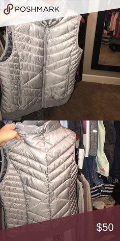 Brand new grey vest Light puffer vest Bernardo Jackets & Coats Vests
