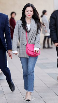 Insertado Korean Airport Fashion, Korean Fashion Pastel, Korean Fashion Minimal, Pink Fashion, Daily Fashion, Womens Fashion, Formal Fashion, Denim Fashion, Minimalist Fashion
