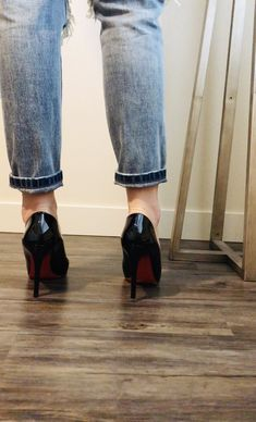 Hot Heels, Sexy High Heels, Black Heels, Pumps Heels, Stiletto Heels, High Shoes, Shoes With Jeans, Bare Foot Sandals, Christian Louboutin Shoes
