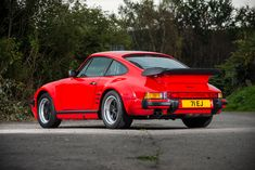 Looking for the Porsche of your dreams? There are currently 1471 Porsche cars as well as thousands of other iconic classic and collectors cars for sale on Classic Driver. 1989 Porsche 911, Porsche 930 Turbo, 911 Turbo, Classic Road Bike, Ferdinand Porsche, Collector Cars For Sale, Most Beautiful Models, Leather Mini Skirts, Electric Cars