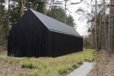 House Cladding, Timber Cladding, Exterior Cladding, Facade House, Black Architecture, Minimalist Architecture, Architecture Details, Contemporary Barn, Modern Barn