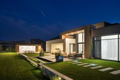 Laconic Landscape Design Adds To Minimalistic Architecture Of The House