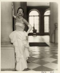 L'exposition sur les années 1950 au Palais Galliera 11   Mode   Vogue