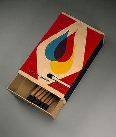Raymond Hains, Hommage à Mondrian et à de Chirico (1971). Boîte d'allumettes, bois, carton 97 x 50,5 x 19 cm Art Design, Retro Design, Logo Design, Illustration Design Graphique, Graphic Illustration, Mondrian, Art Matchbox, Centre Pompidou Paris, Pochette Album