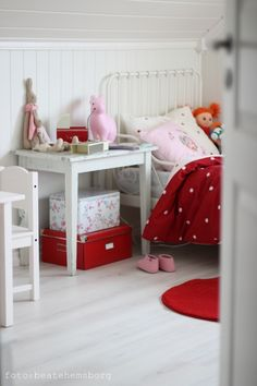 White-washed wood//love the white and red (and mabe a touch of pink?) for girls room