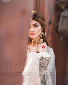 "Maha Wajahat Khan on Instagram: ""Shoot for @faizas.salon Stay Tuned 😍😍 #mahasphotography @mahawajahatkhan @mahasphotographyofficial @faizas.salon #femalephotographer…"" Bridal Dresses 2018, Desi Wedding Dresses, Eid Dresses, Flower Girl Dresses, Indian Wedding Bride, Wedding Hands, Most Beautiful Models, Stylish Girl Pic, Female Photographers"