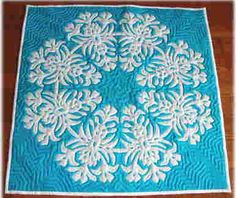 Turquoise and white Hawaiian quilt Hawaiian Designs, Hawaiian Quilts, Applique Quilts, Quilting Designs, Quilt Blocks, Quilt Patterns, Needlework, Sewing Projects, Cross Stitch