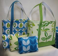 "14"" x 11"" x 3-1/2"" deep tote with one exterior pocket and two interior pockets J. Caroline Tote Bag Tutorial - PDF"
