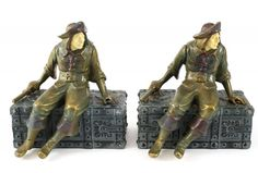 Pair Polychrome Bookends Pirate on Treasure Chest : Lot 27
