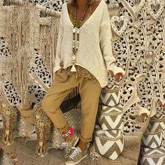 Deep V-neck Irregular Loose Women Pullover Sweater with Gloves Mode Hippie, Mode Boho, Cotton Sweater, Pullover Sweaters, Knitting Sweaters, Winter Fashion Boots, Winter Outfits, Winter Boots, Estilo Hippy