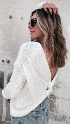 There's no such thing as being too nifty when you're in this two-side sweater in Ivory. Nifty Twist Sweater in Ivory featured by Cella Jane Blog