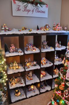 21 Unique Christmas Decoration Ideas Christmas village in the living room Unique Christmas Decorations, Christmas Village Display, Christmas Villages, Christmas Ornaments, Christmas Mantles, Christmas Houses, Victorian Christmas, Vintage Christmas, Lantern Decorations