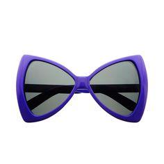 Extraordinary pair of oversized sunglasses featuring bow like shaped frame. Cute and stylish pair Sunglasses dimensions: Frame Height: Frame Width: Trending Sunglasses, Cheap Sunglasses, Oversized Sunglasses, Cat Eye Sunglasses, Sunglasses Women, Vintage Sunglasses, Eyewear, Retro Vintage, Bows