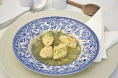 Omas Butternockerl Soup, Snacks, Chicken, Cooking, Ethnic Recipes, German, Recipes, Soups And Stews, Grandma's Recipes