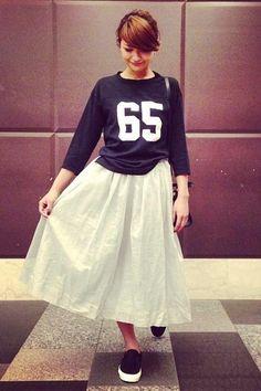 2015春夏♪30代女子用!大人かわいいロングスカートとスニーカーのコーデ|マシマロ