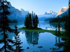 Spirit Island on Maligne Lake in Jasper National Park